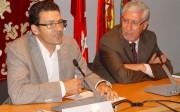 De izquierda a derecha, Miguel Bixquert director de FIMMA-MADERALIA y Francesc de Paula Pons, secretario general de CONFEMADERA
