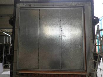 Puerta corredera de DOOR SYSTEM preparada para un ensayo de resistencia al fuego