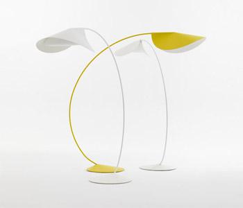 Circle, lámpara de suelo diseñada por Mónica Förster