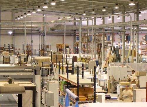 Fabricantes valencianos de muebles crean sus propios for Muebles de oficina fabrica