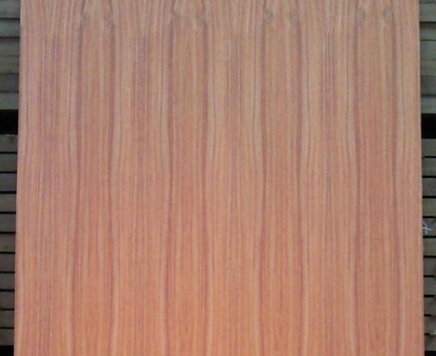 Palo rojo, detalle del tablero