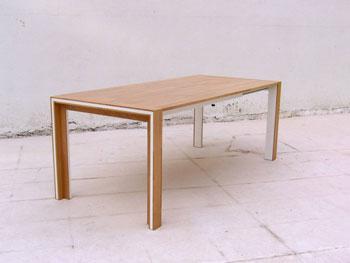 Latizo, mesa fabricada mediante procesos ecológicos