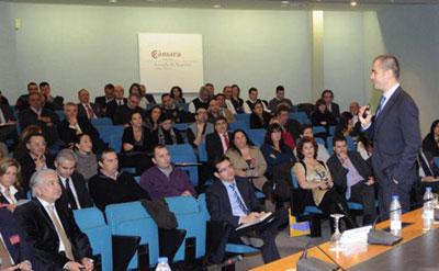 Pau Klein, durante su ponencia sobre el marketing online en el II Congreso del Comercio del Mueble y el Hábitat