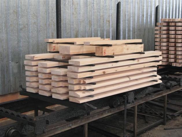 Tratamiento en autoclave de madera de pino