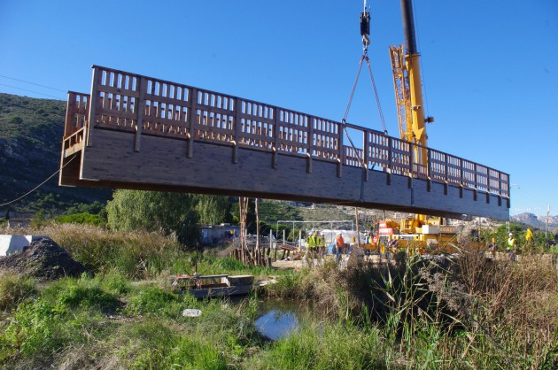 Puente construido madera