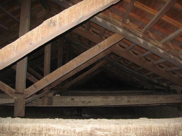 Vista general de las cerchas de la cubierta.
