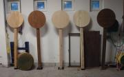 Ejemplo de valorización de madera autóctona de Pinus radiata mediante el desarrollo y la aplicación de distintas nuevas tecnologías de tratamiento (proyecto WOODTECH). Estas tecnologías fueron termotratamiento, acetilado y recubrimientos con pinturas epoxi