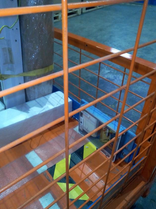 : Instalación del dispositivo de registro de datos en una unidad de carga. AIDIMME