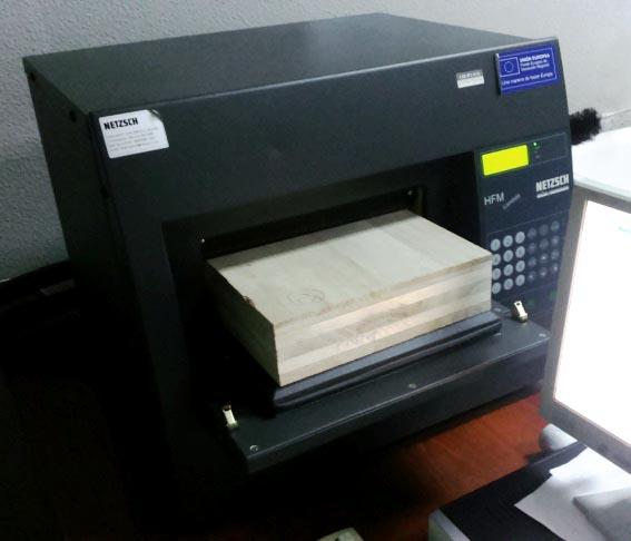Medida de la conductividad térmica de la paulownia según la norma UNE EN 12667:2002