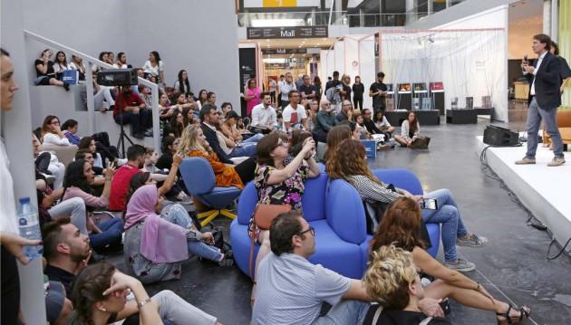 Vicente Sales durante la presentación del Cuaderno de Tendencias Hábitat 18/20 en el Ágora del Nude de Feria Hábitat Valencia 2017. Foto: Ricardo Saiz (AIDIMME)