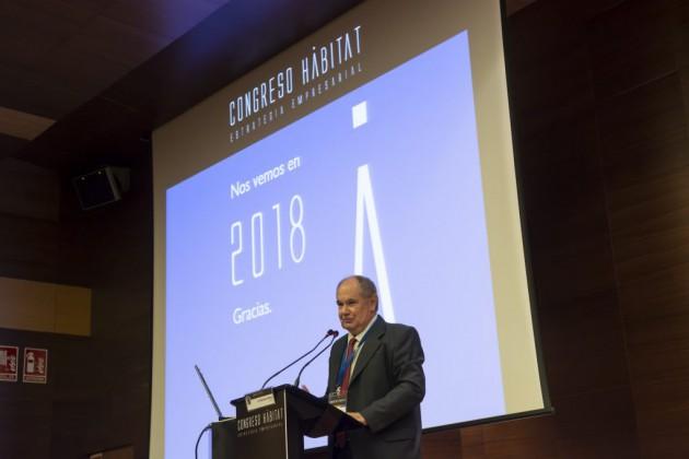 El director de AIDIMME, Mariano J. Pérez Campos, clausuró el congreso apelando a la colaboración de los sectores del hábitat.