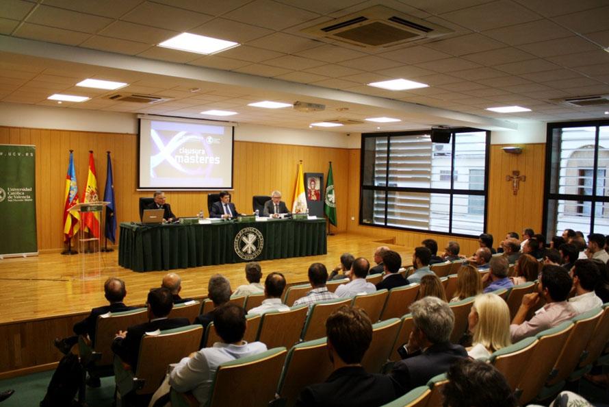 Clausura de los m steres de aidimme y la universidad for Universidad valencia master