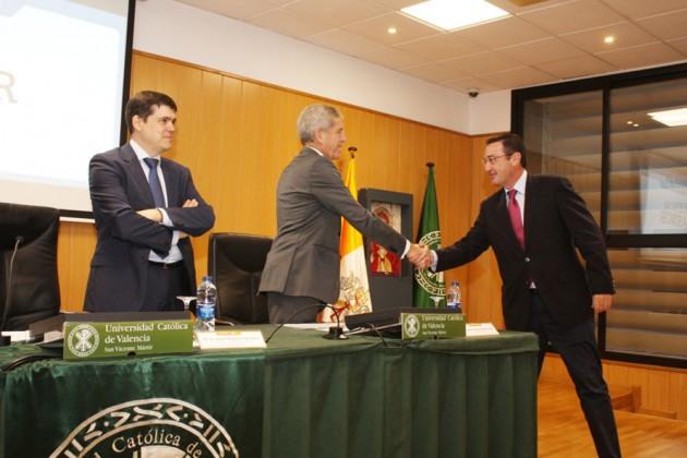 Reconocimiento a D. Salvador Ibáñez, director de la delegación de AENOR INTERNACIONAL en la Comunidad Valenciana.