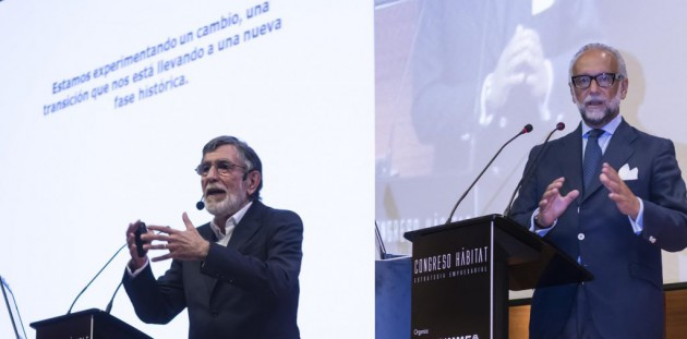 Ismael Quintanilla, dcha., y José María O'Kean, durante sus intervenciones.