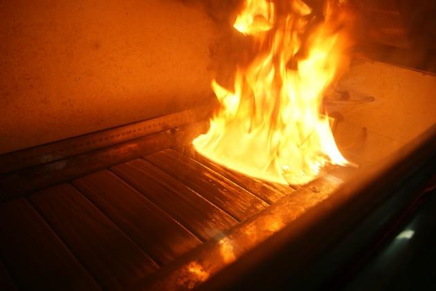 Ensayo de reacción al fuego sobre productos WPC existentes en el mercado.